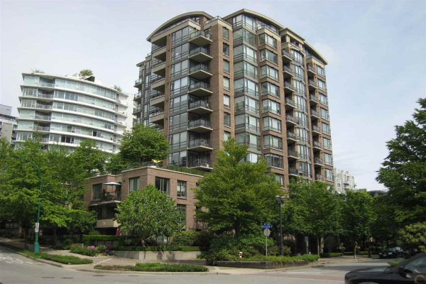 409 170 W 1ST STREET, North Vancouver