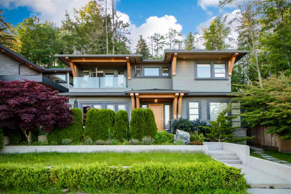 1042 WHITCHURCH STREET, North Vancouver