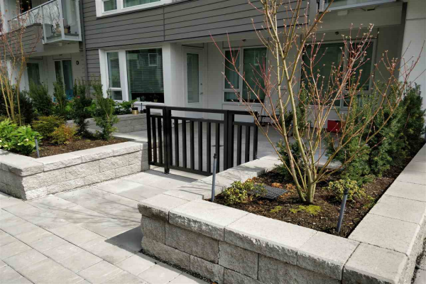 110 255 W 1ST STREET, North Vancouver