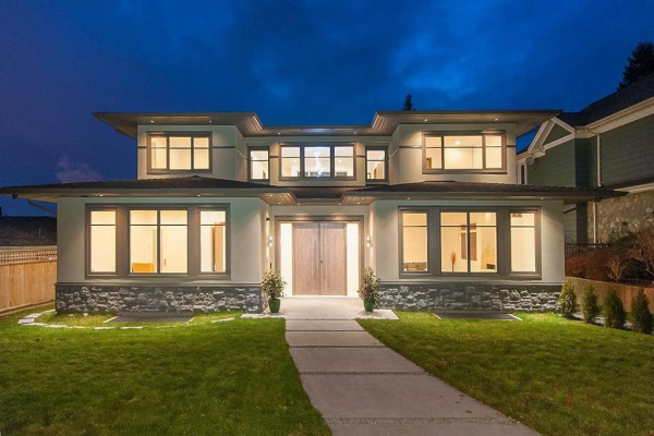 917 GRAND BOULEVARD, North Vancouver