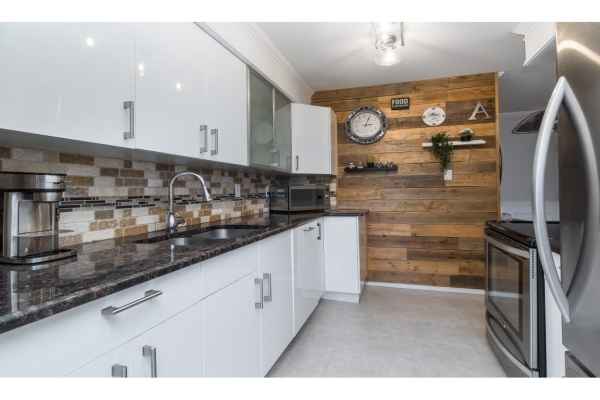 306 225 SIXTH STREET, New Westminster