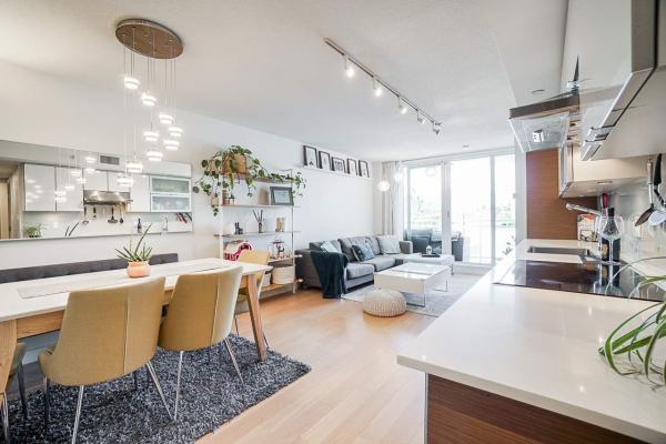 412 1635 W 3RD STREET, Vancouver