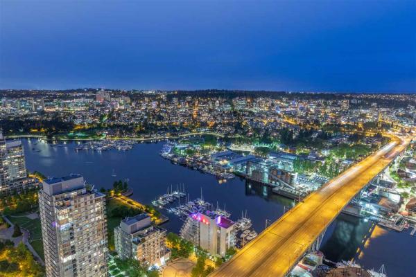 5001 1480 HOWE STREET, Vancouver