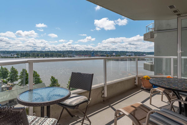 1102 1250 QUAYSIDE DRIVE, New Westminster