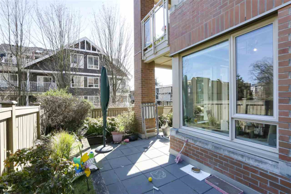 105 119 W 22ND STREET, North Vancouver