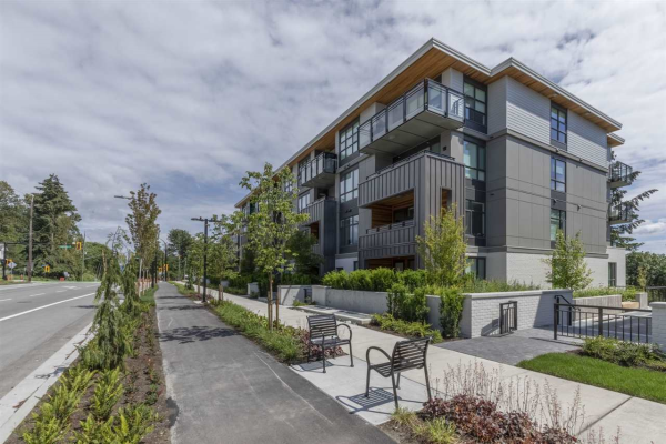 203 747 E 3RD STREET, North Vancouver