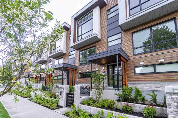 2 856 ORWELL STREET, North Vancouver