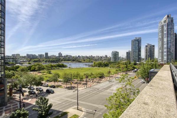 705 289 DRAKE STREET, Vancouver