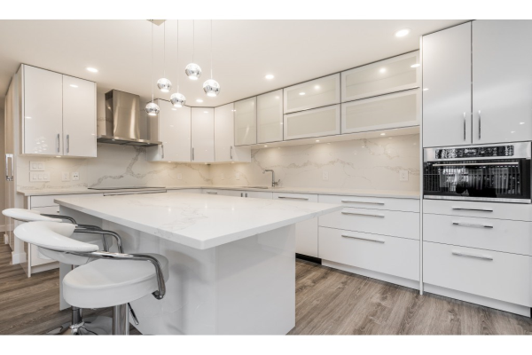 303 550 EIGHTH STREET, New Westminster
