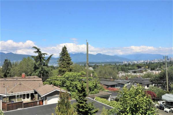 3853 W 12TH AVENUE, Vancouver