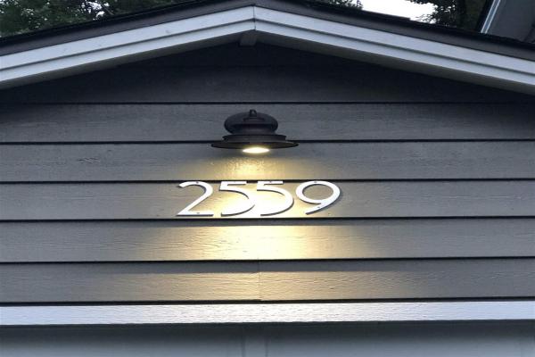 2559 BELLOC STREET, North Vancouver