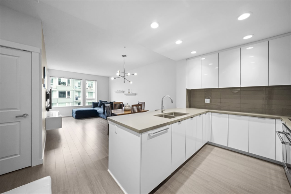 426 255 W 1ST STREET, North Vancouver