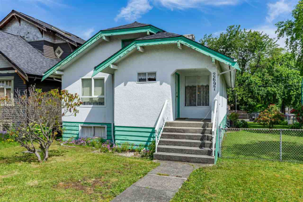 2697 DUNDAS STREET, Vancouver