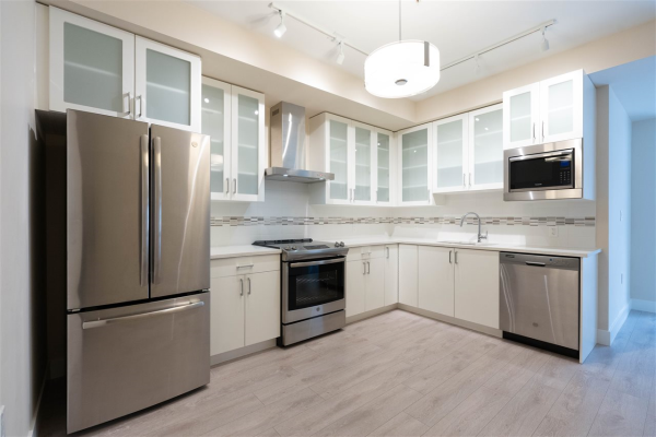 305 4882 SLOCAN STREET, Vancouver
