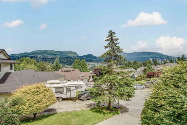 3162 LEEWARD COURT, Coquitlam