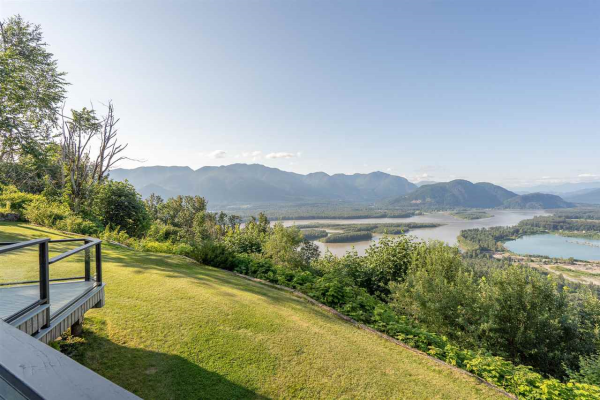 8492 HUCKLEBERRY PLACE, Chilliwack