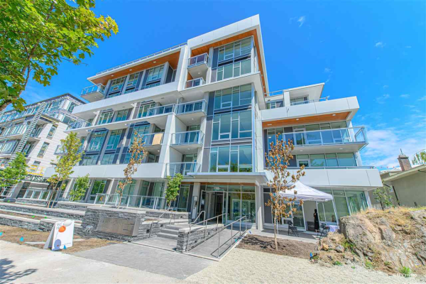 201 4988 CAMBIE STREET, West Vancouver