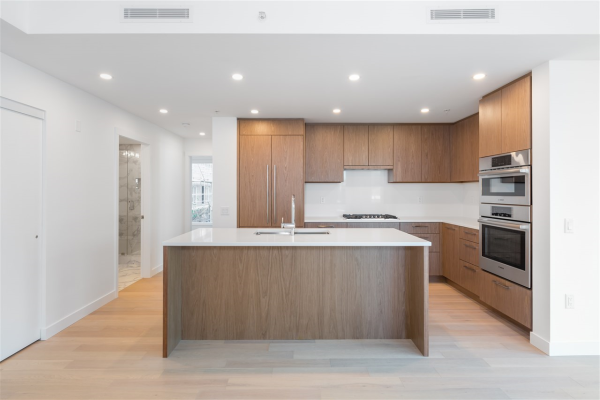 206 4988 CAMBIE STREET, Vancouver