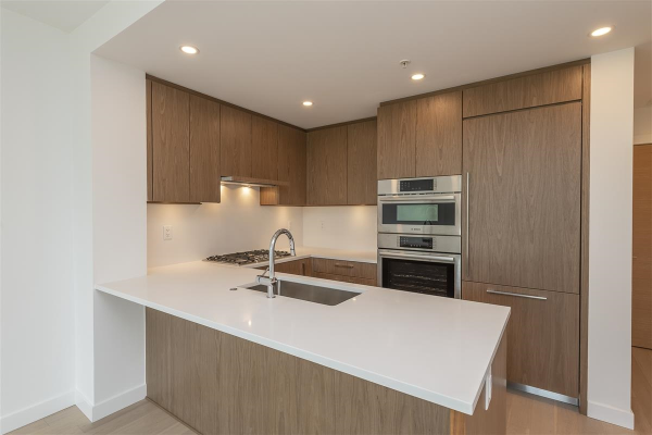 402 4988 CAMBIE STREET, Vancouver