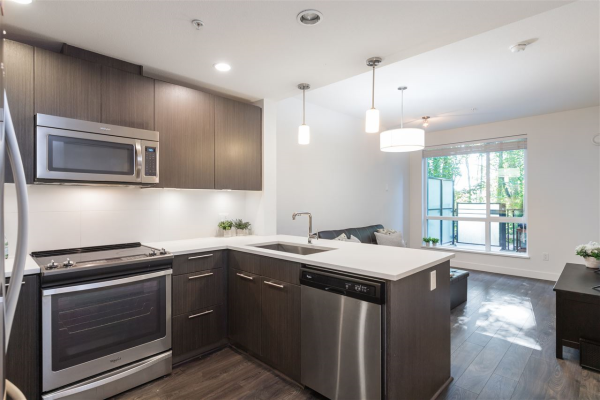 121 723 W 3RD STREET, North Vancouver