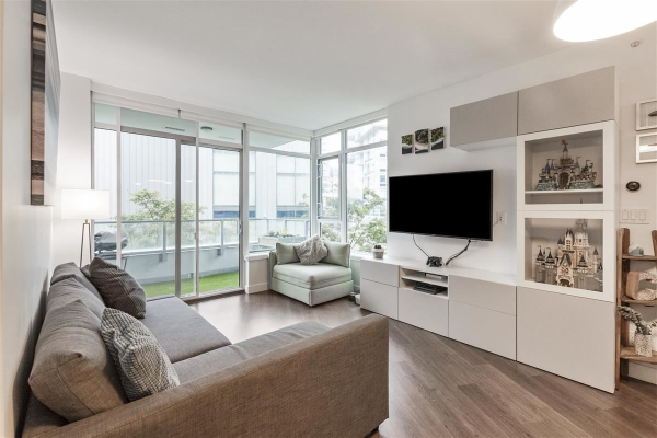 301 3557 SAWMILL CRESCENT, Vancouver