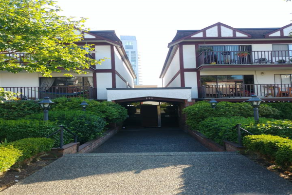 204 131 W 4TH STREET, North Vancouver