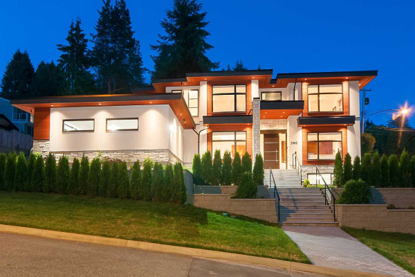 2902 ST. ANDREWS AVENUE, North Vancouver
