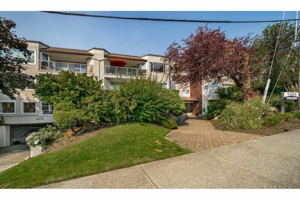 412 1225 MERKLIN STREET, White Rock