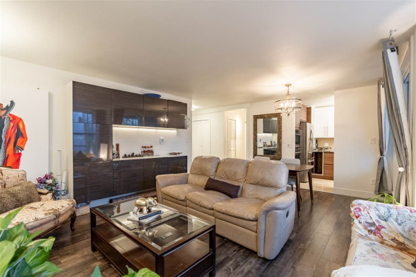 301 1845 ROBSON STREET, Vancouver