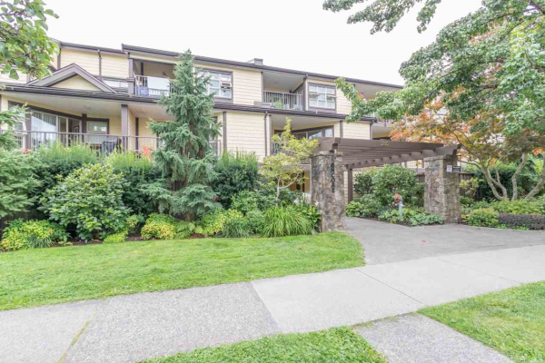 107 235 W 4TH STREET, North Vancouver