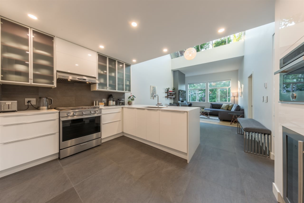 302 650 MOBERLY ROAD, Vancouver