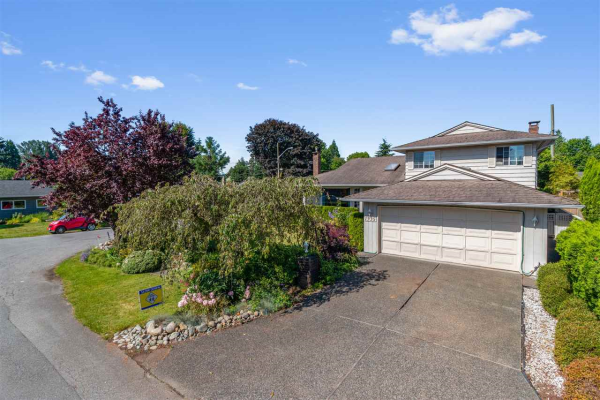 1335 FERNWOOD CRESCENT, North Vancouver