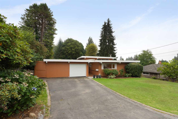845 MONTROYAL BOULEVARD, North Vancouver