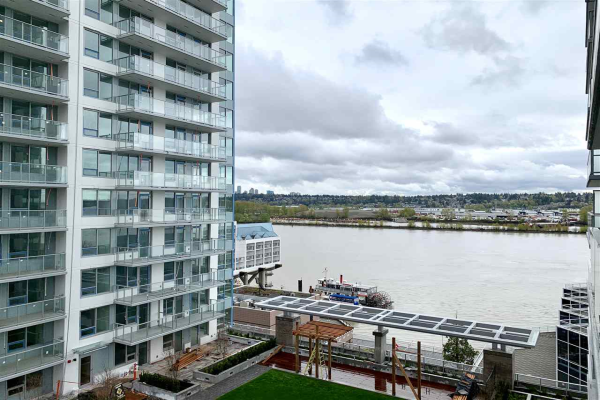 1005 988 QUAYSIDE DRIVE, New Westminster