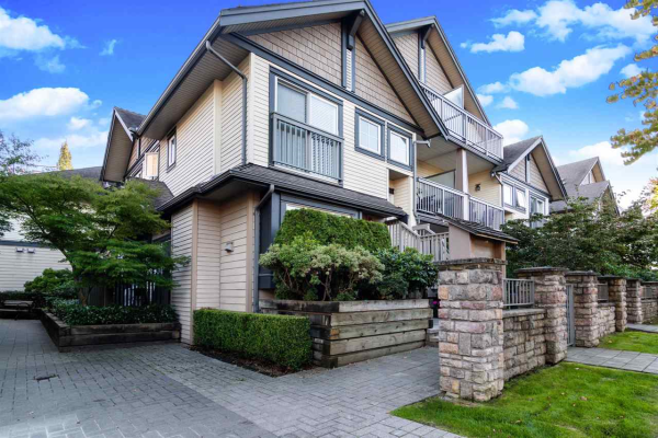 210 4458 ALBERT STREET, Burnaby