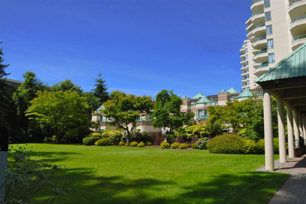 360 TAYLOR WAY, West Vancouver