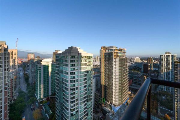 2802 909 MAINLAND STREET, Vancouver
