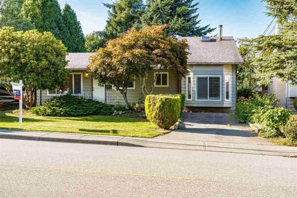 15835 RUSSELL AVENUE, White Rock