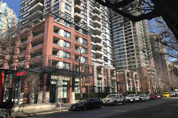 1803 977 MAINLAND STREET, Vancouver