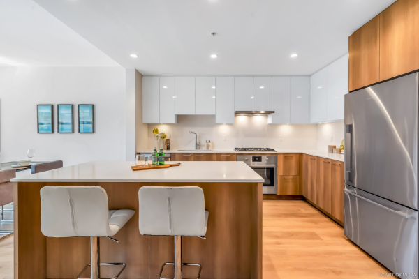 103 715 W 15TH STREET, North Vancouver