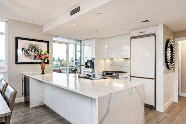 604 15152 RUSSELL AVENUE, White Rock