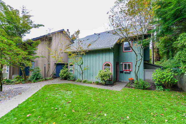 1 900 W 17TH STREET, North Vancouver