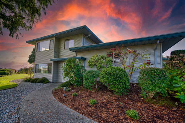 7 554 EAGLECREST DRIVE, Gibsons