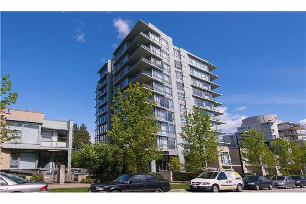 706 9222 UNIVERSITY CRESCENT, Burnaby