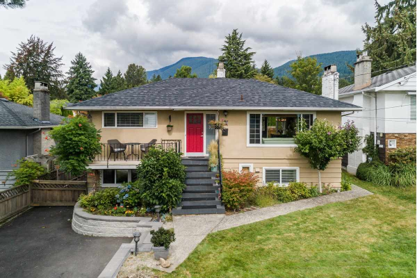 470 W KINGS ROAD, North Vancouver