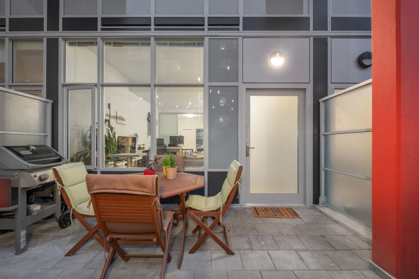 105 417 GREAT NORTHERN WAY, Vancouver
