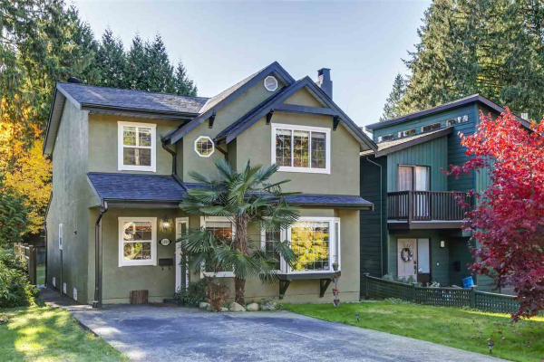 1039 CANYON BOULEVARD, North Vancouver