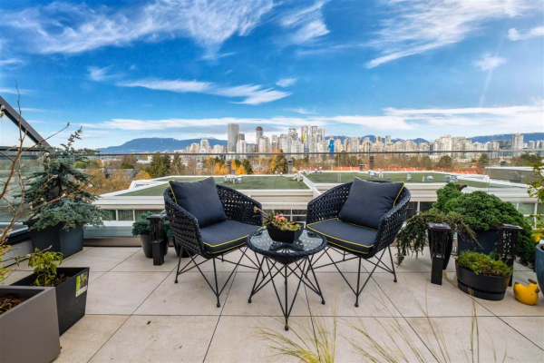 1089 W 7TH AVENUE, Vancouver