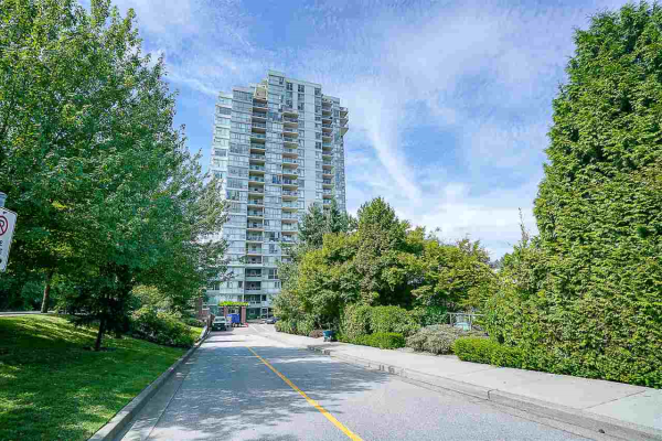 801 235 GUILDFORD WAY, Port Moody