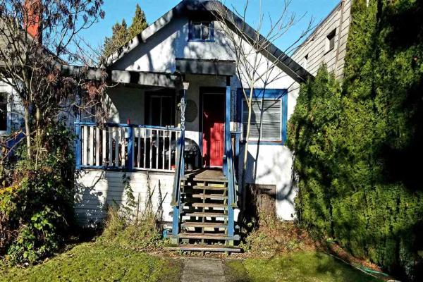 4033 W 11TH AVENUE, Vancouver